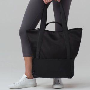 Lululemon Hot Mesh Tote and Travel Bag